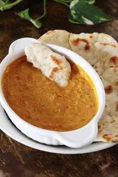 Intialainen tomaatti.jogurttikastike