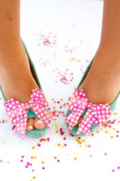 Learn how to make these origami bow shoe clips with this easy video tutorial