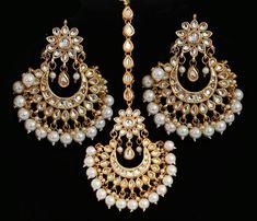 Traditional Indian kundan gold plated designer wedding earrings with tikka. Tikka Jewelry, Indian Jewelry Earrings, Indian Jewelry Sets, Jewelry Design Earrings, Crystal Jewelry, Wedding Jewelry, Fine Jewelry, Wedding Earrings, Wedding Accessories