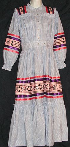 Cherokee Tear Dress official Regalia for Women of the Cherokee Nation (western) Native American Cherokee, Cherokee Woman, Native American Clothing, Cherokee Nation, Native American Regalia, Native American Beauty, Native American History, American Apparel, Cherokee Clothing
