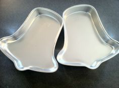 Wilton Cake Pans Bell Shape Vintage  1971 Set of Two 9x9