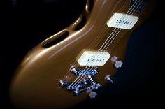 alquier luthier fabricant de guitares electriques et acoustiques | Fastback Hollow88
