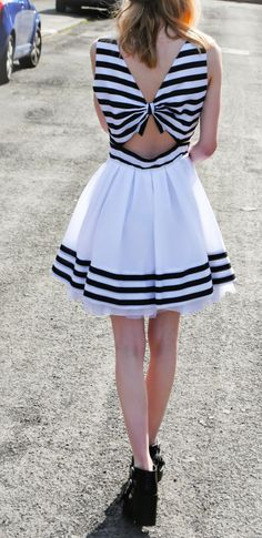 Backless-Bow-50s-Dress