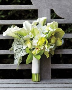 Nothing looks fresher and more beautifully bridal than a white-and-chartreuse nosegay