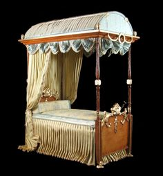 June Clinkscales bed. #dollhouse #miniature