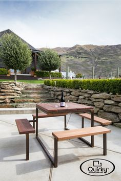 Quirky (kwurk'ee) - an unexpected twist or turn; a continuous groove in an architectural moulding Clean lines, cool designs – outdoor dining with a difference. Our new range of Quirky.