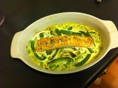 Baked salmon and green peppers