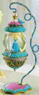 Disney Snowglobes Collectors Guide: Sleeping Beauty deluxe ornament Snowglobe