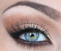 How pretty for this eye color