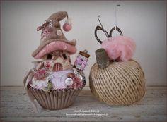 Maisonnette en laine feutrée sur son cupcake par LesVendredisDeNath