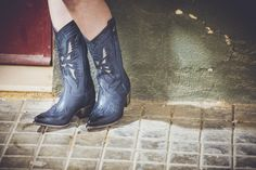 #Cherrycool te muestra los #looks ideales para hacer que tu #outfit sea único,   #CherryCool #Outfit #lookbook #shoes #boot #bootswomen #women #season #photo #trendy #look #style #model #seasonboots
