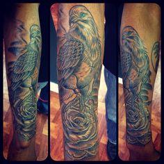 Bird and rose  #eagletattoo #rosetattoo dmvtattooartist #vanhtattoostudio #antoniotatts #teamtatted #tattedup #tattoomenow #tattooartist #art #cooltatts #inkedup #inkslinger #inkedguy #guywithtattoo #mustsee #mustfollow #fineline #followme #followback #picoftheday