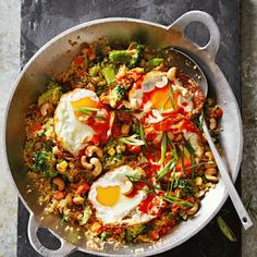 For a healthy alternative to your usual fried rice try our cauliflower version packed full of delicious flavours. Vegetarian Dinners, Vegetarian Recipes, Healthy Recipes, Healthy Meals, Side Recipes, Veggie Recipes, Veggie Meals, Clean Eating, Healthy Eating