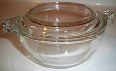 PYREX VINTAGE CLEAR DISH / BOWL & LID 10 OZ # 018 – EXCELLENT CONDITION by Melsmemories