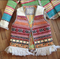 This Pin was discovered by mag Diy Fashion, Fashion Dresses, Boho Outfits, Casual Outfits, Navratri Dress, Pakistani Fashion Casual, Mode Mantel, Bohemian Mode, Embroidery Dress