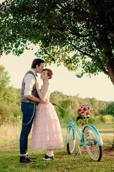 Costumes A two-part retro wedding inspiration shoot including ideas for an aqua and pink engagement and wedding 50s Wedding, Rockabilly Wedding, Wedding Humor, Wedding Blog, Wedding Styles, Dream Wedding, Wedding Signs, Wedding Ideas, Wedding Pictures