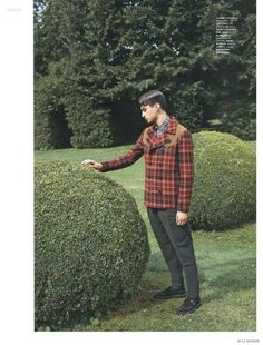 Matthew Bell Dons Checked Fall Fashions for M Le Monde image Matthew Bell Mens Checked Outerwear M Le Monde Editorial Photo 002