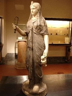 Pompeii: Statue of priestess of Isis, Temple of Isis: during the Roman empire the cult of Isis was very popular in Italy