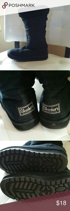 Skechers black boots Black skechers boots, fully lined, great tread. EUC Skechers Shoes