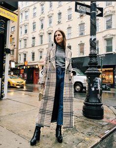 Inspiration: Paris Street Style. J'adore le manteau à gros carreaux! Miriam Lasserre , Personal Shopper Paris www.miriamlasserre.com
