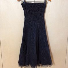 NO LONGER AVAILABLE My Hourglass Strapless dress Size M by Hourglass! Size 8 / M for $$20.00. Check it out: http://www.vinted.com/womens-clothing/strapless-dresses/21996445-hourglass-strapless-dress-size-m.