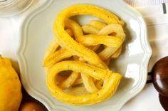 Scopri la ricetta originale dei churros Bimby. Sono dei dolci fritti spagnoli che ho assaggiato a Barcellona. Diffusi in Argentina, sono da provare!
