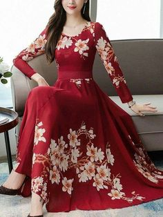 Casual Gowns, Stylish Dresses, Maxi Gowns, Chiffon Maxi Dress, Floral Dress Outfits, Fashion Dresses, Classy Dress, Classy Outfits, Beautiful Dresses