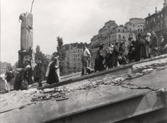 1945.. Schwedenbrücke Old Photographs, Vienna Austria, Sound Of Music, More Photos, Ww2, New York Skyline, Past, Old Things, Magic
