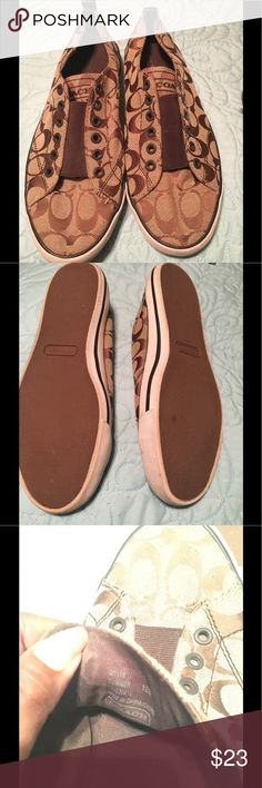 Coach Sneakers Elastic fasteners. No strings came with them but you could add some. Coach Shoes Athletic Shoes