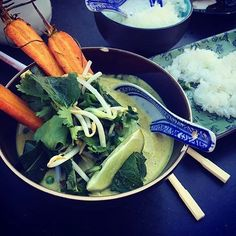 Green curry 👅 (by @happy_moodfood)
