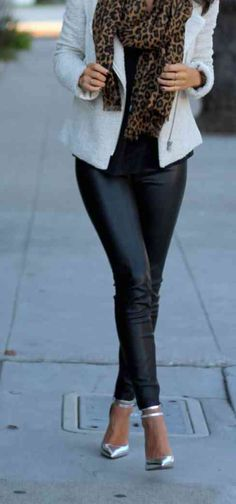 white jacket + leopard scarf x leather skinnies x metallic pumps Look Fashion, Fashion Beauty, Fashion Outfits, Womens Fashion, Looks Style, My Style, Weekend Wear, Casual Chic Style, Work Wardrobe