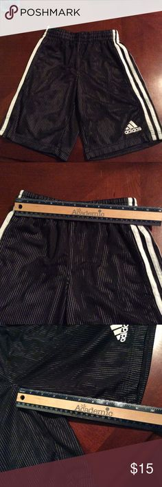 """Adidas Girls Mesh Shorts Size Small 7/8 Adidas girls mesh shorts size small 7/8 (see size chart in pictures for more details). Inseam approximately 9,"""" great athletic shorts. Adidas Bottoms Shorts"""