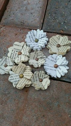 Here at Cornerhouse 115 we make all our own paper flowers.Today I'm going to be sharing with you all how to make,what we call 'Ava' flowers. We named the flowe