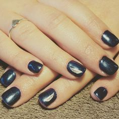 Nails blue silver feather
