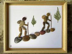 Pebble Art - Gift for Hikers - Mountain - Outdoors - Hiking and Walking -Backpackers- Custom Pebble Art - Eco-friendly art - cm. : Pebble Art Gift for Hikers Backpackers Outdoors Hiking Stone Crafts, Rock Crafts, Diy Crafts, Stone Pictures Pebble Art, Stone Art, Art Rupestre, Pebble Art Family, Art Pierre, Sea Glass Crafts