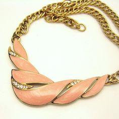 TRIFARI Vintage náhrdelník Pink smalt kamínky s přívěskem