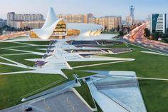 Heydar-Aliyev-Center-Zaha-Hadid-2_640.jpg (640×426)