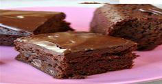 """Ένα γρήγορο και πολύ γρήγορο γλυκό που λατρεύουν τη σοκολάτα! Υλικά 400 γραμμάρια Merenda ή Nutella 2 αβγά 1/2 κούπα αλεύρι για όλες τις χρήσεις Εκτέλεση Σ"""" ένα μεγάλο μπολ ανακατεύετε όλα τα υλικά με το σύρμα μέχρι να ενωθούν και η ζύμη να γίνει ομοιογενής Βουτυρώνετε ένα μέτριο ταψί καλά, και ρίχνετε μέσα τη …"""