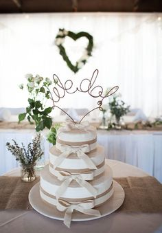 wedding-cake-inspiration-cheese-wheel-naked-cake-flowers-traditional-cool-rainbow9