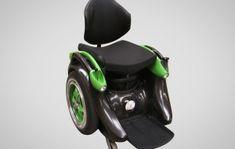 Dankzij twee omnidirectionele wielen is de Whill wendbaarder dan iedere andere rolstoel, terwijl het design ervoor zorgt dat het gewicht laag is.