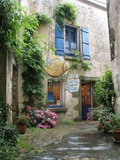 Aberturas en añil, característico de la Provence.