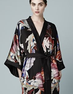 meng-kimono-red-flower-collection-loungewear-de-luxe