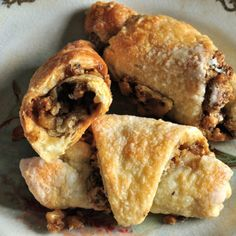Grandma's Rugelach Recipe--a step by step guide to making these traditional cookies from scratch. You'll be surprised how easy it is to make homemade rugelach flavored with vanilla and walnuts in a traditional cream cheese dough. Keto Cookies, Cookies Et Biscuits, Baking Recipes, Cookie Recipes, Rugelach Recipe, Cookies From Scratch, Favorite Cookie Recipe, Favorite Recipes, Filled Cookies