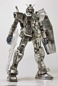 MG 1/100 RX-78-2 Gundam Ver. 3.0 - Silver Plated w/ Clear Part Build