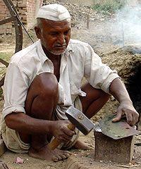 Lohar, Hindu in India Population 8,852,000 Christian 0.00% Evangelical 0.00% Largest Religion Hinduism (99.9%) Main Language Hindi