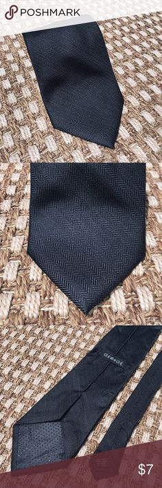 Black Tie My husband wore this quite a bit. In good condition. George Accessories Ties
