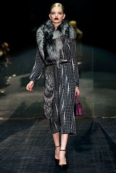 Gucci Fall 2011 Ready-to-Wear Collection Slideshow on Style.com