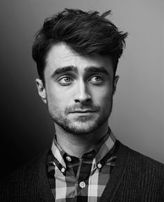 Just stumbled across this cool page for Daniel Radcliffe – WomanMax.pl Just stumbled across this cool page for Daniel Radcliffe Daniel Radcliffe – koniec z Harrym Potterem. Daniel Radcliffe Harry Potter, Daniel Harry Potter, Harry Potter Actors, Tyler Posey, Celebrity Portraits, Celebrity Photography, Saturday Night Live, Famous Faces, Belle Photo