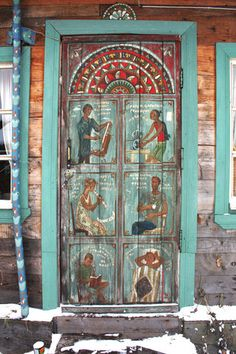 Folk art painted door. Not sure of location, can anyone translate the website?