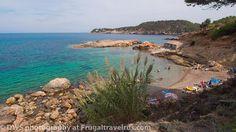 Cala S'illot des Rencli Ibiza España, via Flickr.